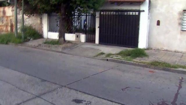 Dos ladrones intentaron robar un auto y murieron en un tiroteo con la Policía