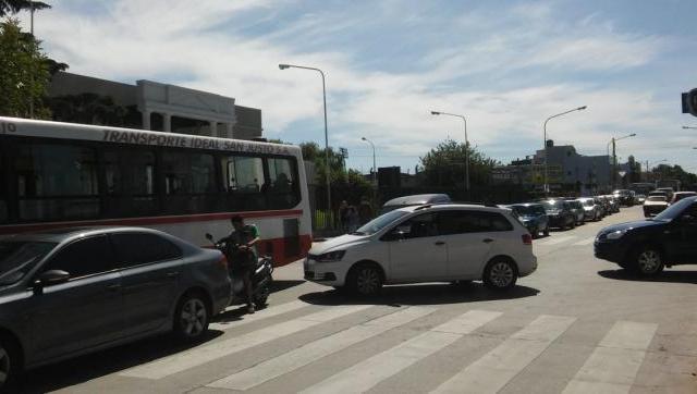 El Frente Renovador presentó un proyecto para reordenar el tránsito y las paradas de colectivo en la UNLAM
