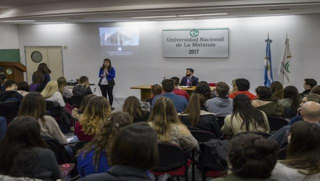 Alumnos de la UNLaM se informaron sobre el programa Friends of Fulbright