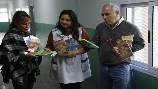 14 mil libros para escuelas secundarias
