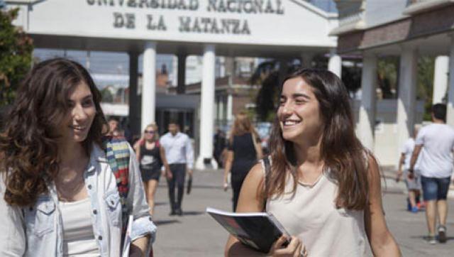 Los alumnos preparan una semana de actividades para la conciencia de género