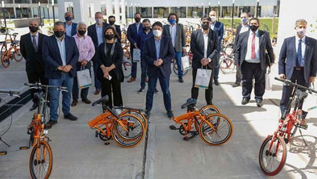 La UNLaM recibió bicicletas para descomprimir el uso del transporte público