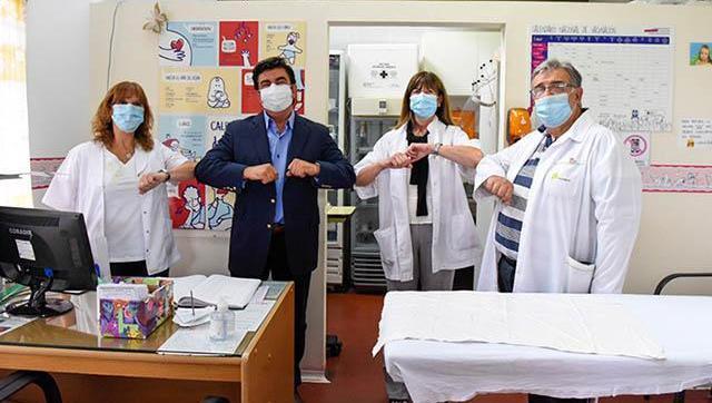 """""""Mientras nos vacunamos tenemos que seguir cuidándonos, porque la pandemia no terminó"""""""