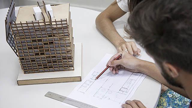 Se graduó la primera camada de la carrera de Arquitectura en la UNLaM