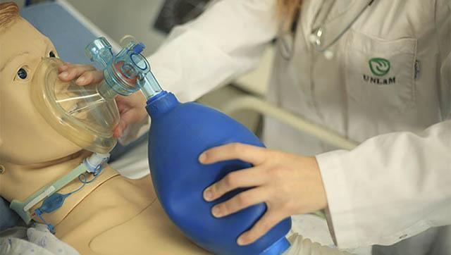 Docentes de la UNLaM presentaron una investigación sobre escenarios de simulación clínica ante casos de COVID-19