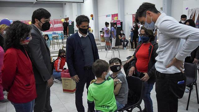 Ghi y Kicillof visitaron una posta sanitaria en el inicio de la vacunación a niños y niñas de 3 a 11 años